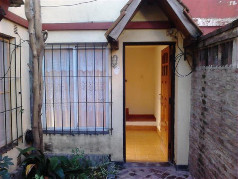 Casa en Venta en Villa Luzuriaga - 3 ambientes