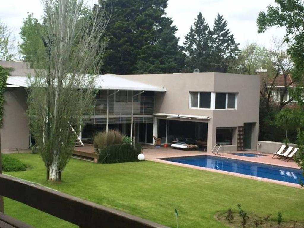 Espectacular Residencia en Highland Park CC. Venta y/o Alquiler
