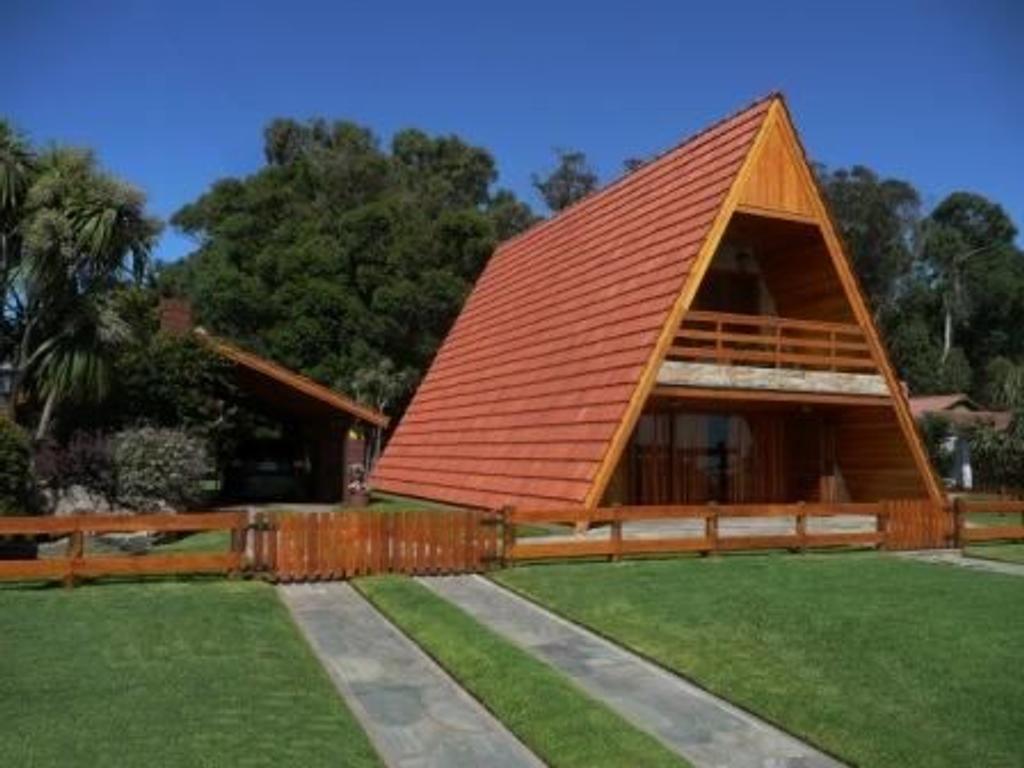 Chalet alpino tradicional con gran parque zona Bosque Peralt Ramos