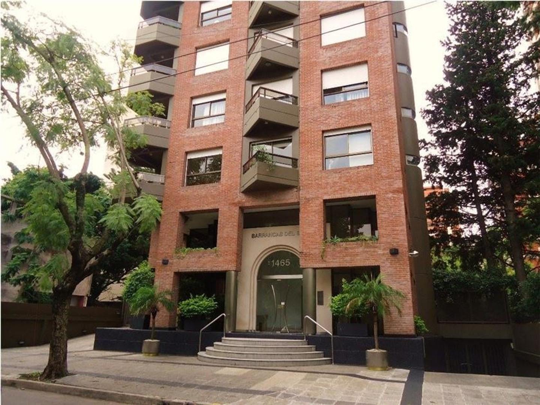 """Semipiso alto en dúplex, con vista panorámica en el edificio """"Barrancas del Sol""""."""