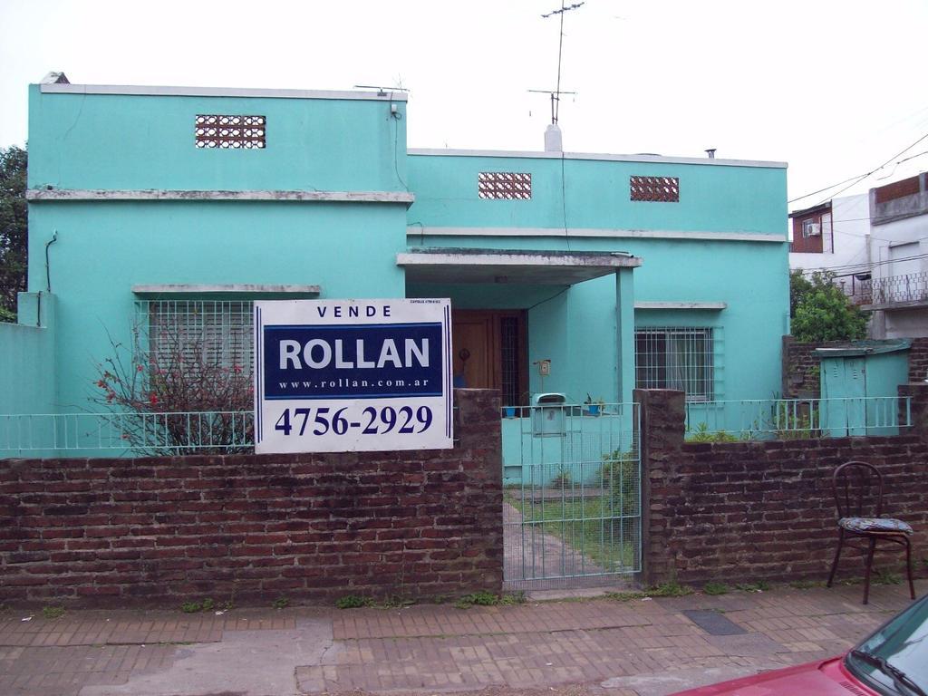 Casa de 3 amb. sobre lote de 10x26, en venta en Carapachay!