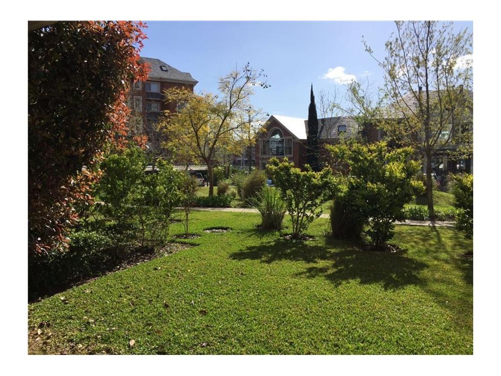 Departamento en Alquiler  PB con Jardin