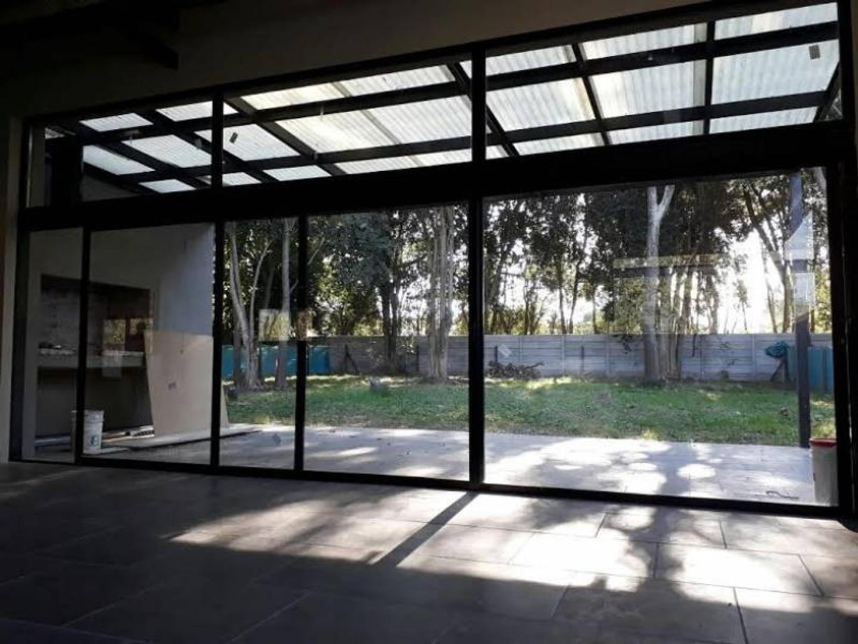 Muy linda casa - San Matias Area 3