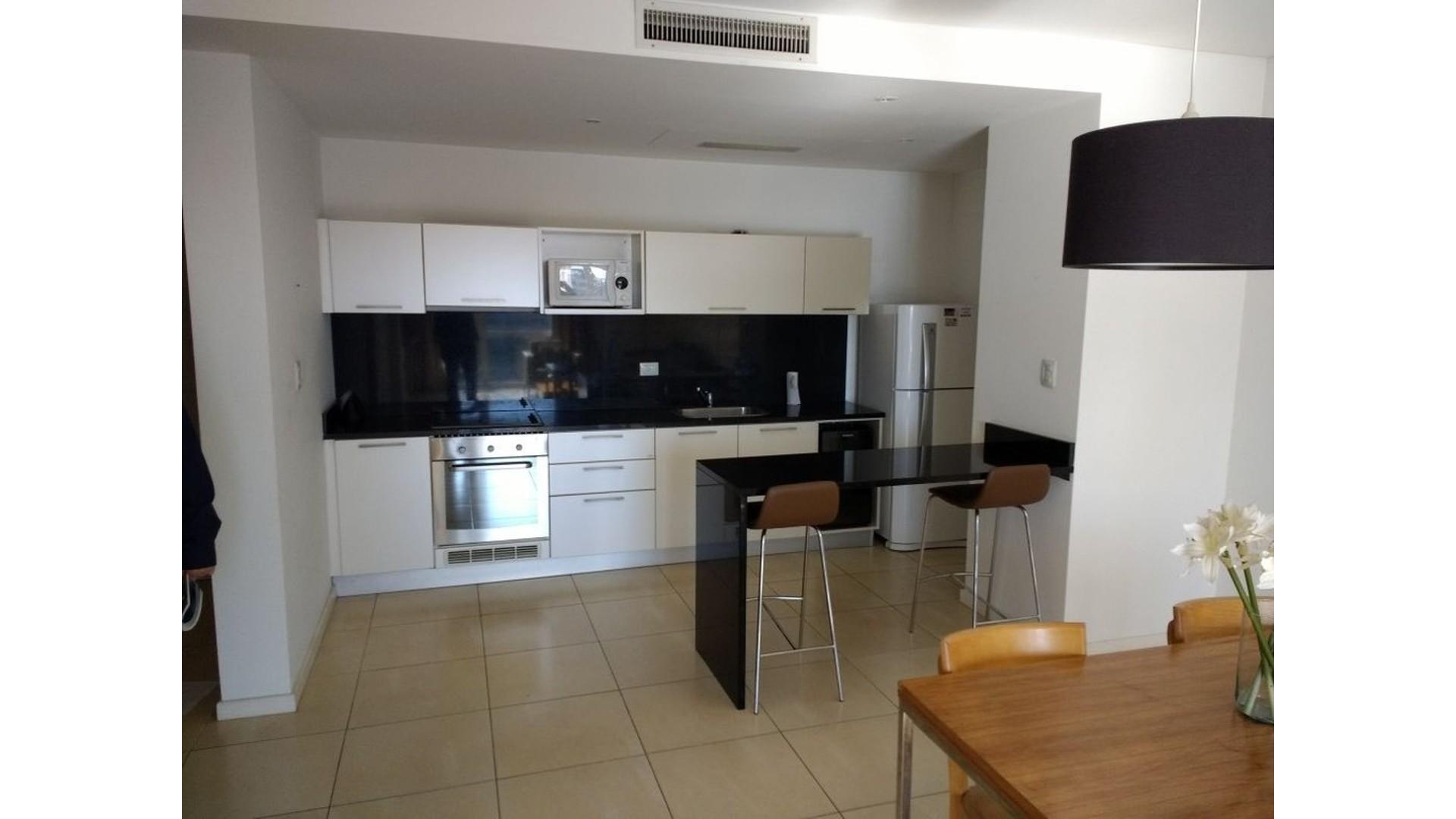 Alquiler, departamento tres ambientes, dos dormitorios, cochera y amarra, Nordelta Bahia Grande