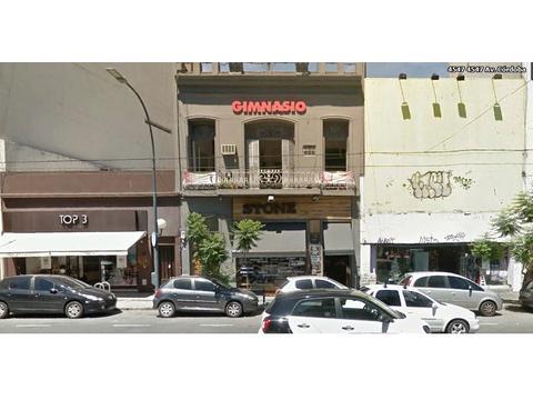 Local 570 M² Con Vidriera Sobre Av Córdoba, Excelente Ubicación