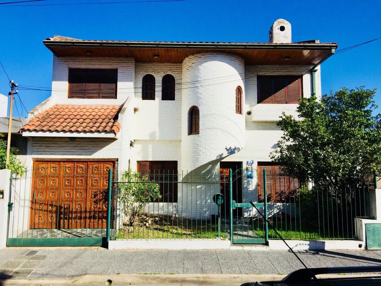 Excelente casa en venta en Wilde