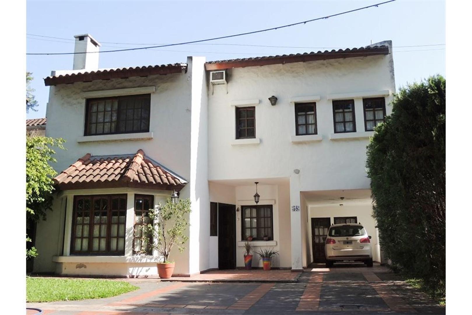 Casa en Venta en Aranjuez - 8 ambientes