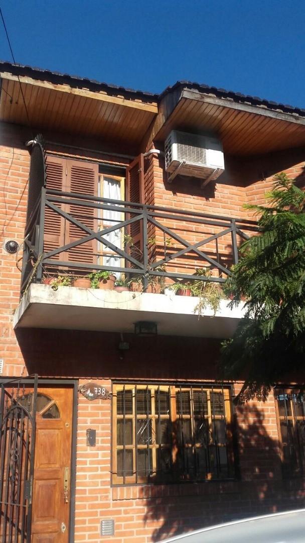 Duplex de tres ambientes en venta en Ramos Mejia  Apto Credito