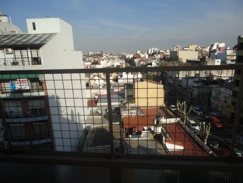 MONOAMBIENTE FRENTE BALCON COCINA SEPARADA, LAVADERO, BAÑO COMPLETO PLACARD