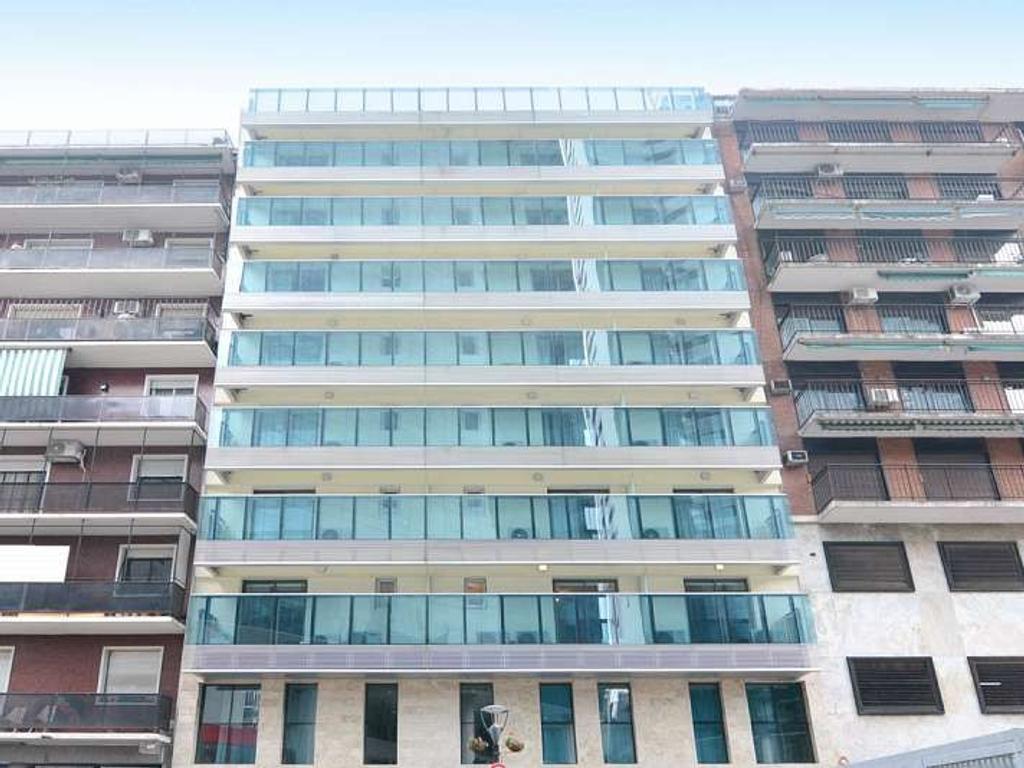 Departamento. Edificio Esmeralda 933. Living/Comedor. 1 dormitorio(s). 1 baño(s). Entre median...