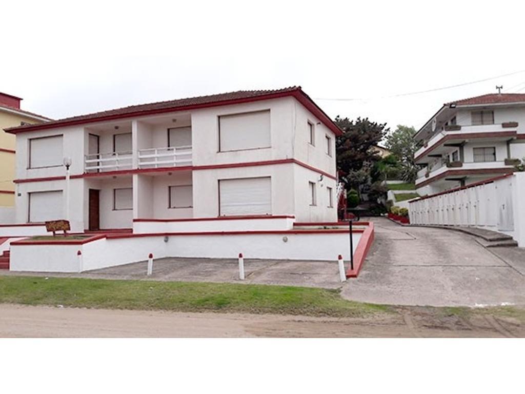 Villa Gesell - Depto. 2 amb. c/2 cocheras- 1º PIso - Apto crédito - Financiación Priv.- U$S 55.000.-