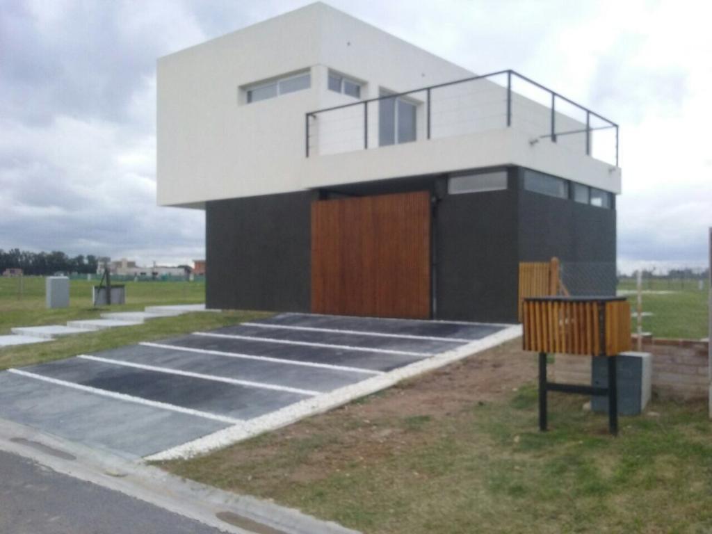 Excelente casa minimalista en Horizontes al Sur