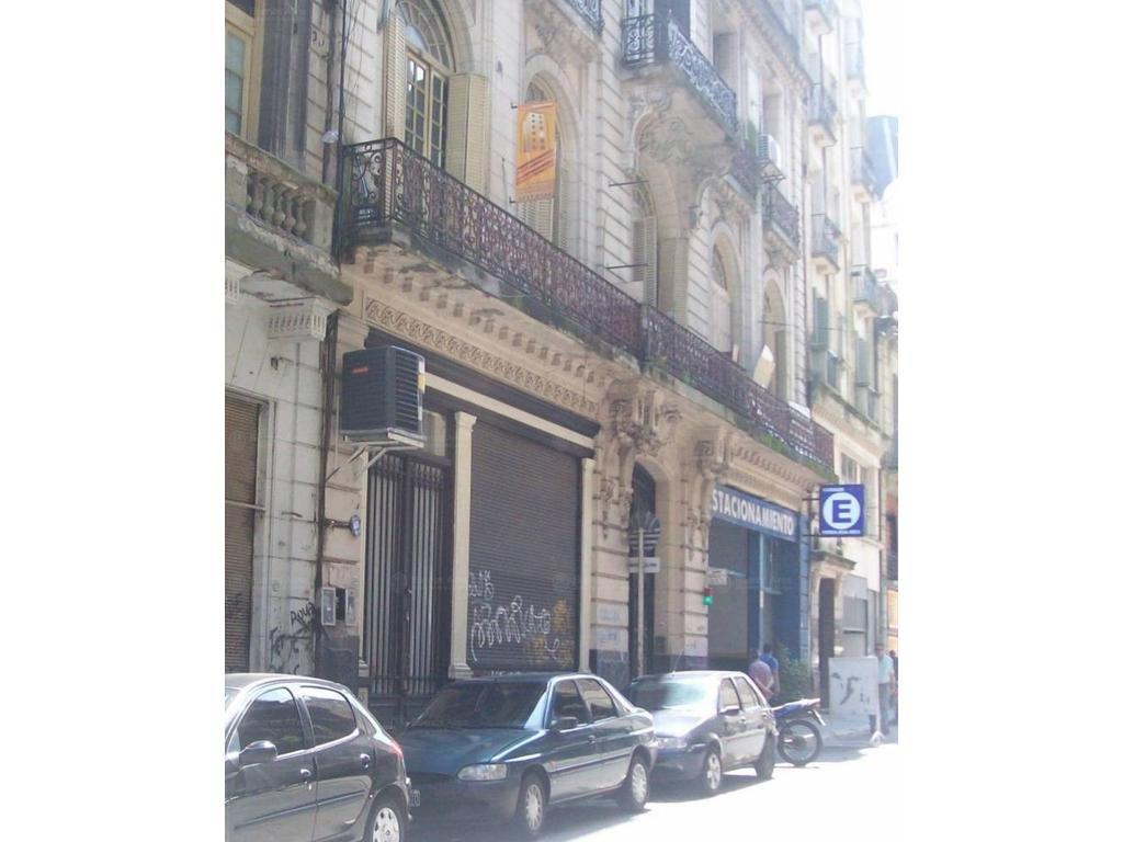 LOCAL EN VENTA, A LA CALLE DE 247,67 m2 TOTALES. | AV. RIVADAVIA 1240
