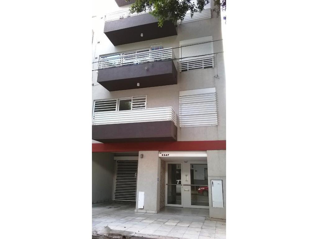 Dpto. mono ambiente amplio a cfte. con balcón. (en construcción)