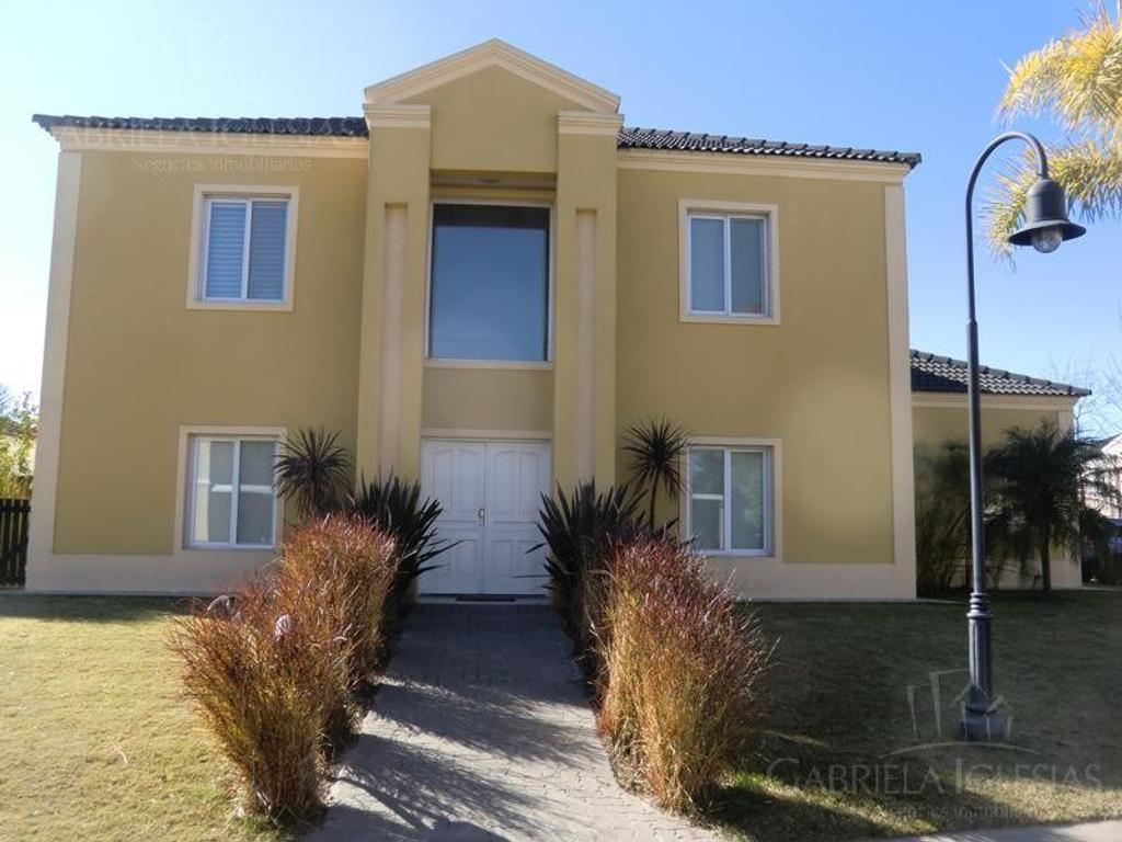 Casa en venta con 3 dormitorios en Barrancas del Lago