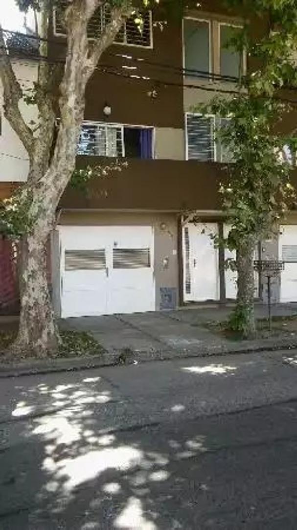 Duplex centrico a 2 cuadras alvear 3 amb con cochera parrilla