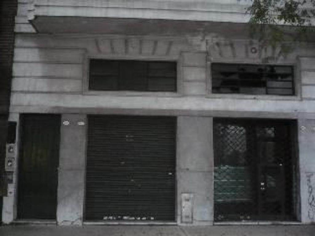 Departamento tipo casa en Venta de 4 ambientes en Capital Federal, Pompeya