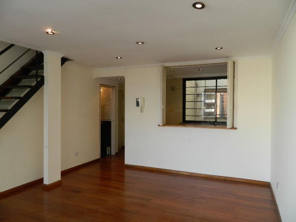 Departamento en venta en avenida pedro goyena 1790 for Departamentos 3 pisos
