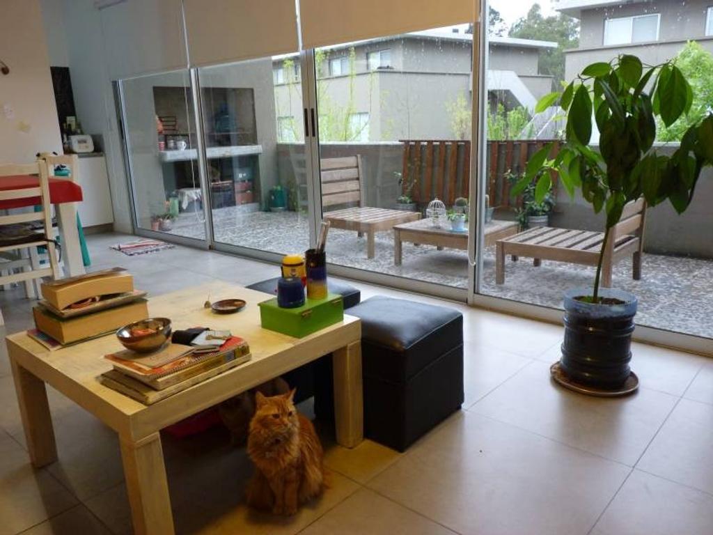 Departamento tipo duplex de 3 ambientes en Bosque Alto