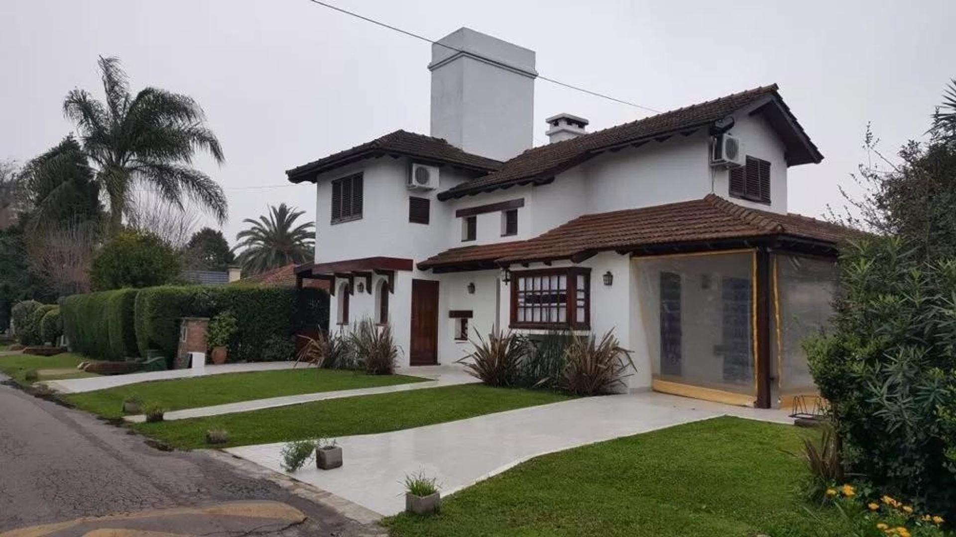Casa en Venta en Countries y Barrios Cerrados General Rodriguez - 4 ambientes