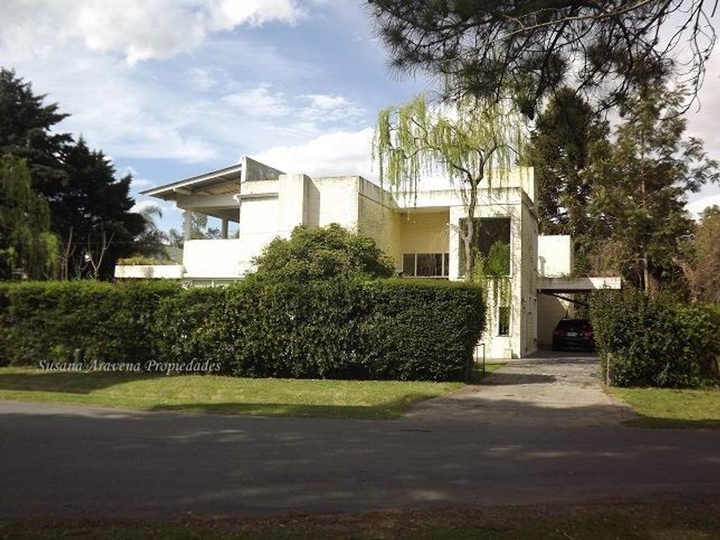 Excelente casa en Los Lagartos-Pilar