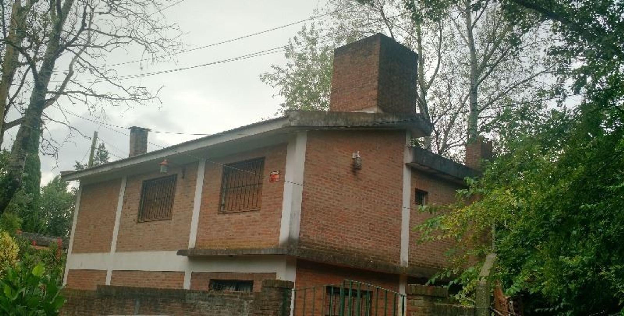 Casa en Venta en Manuel Alberti - 5 ambientes