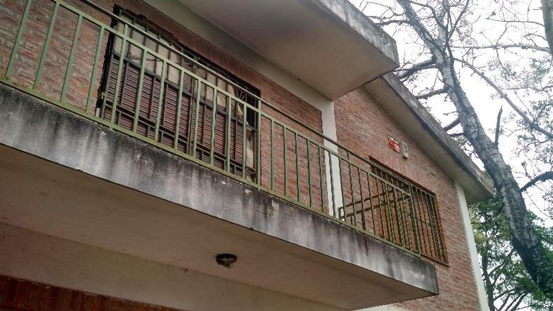 Casa en Manuel Alberti con 4 habitaciones