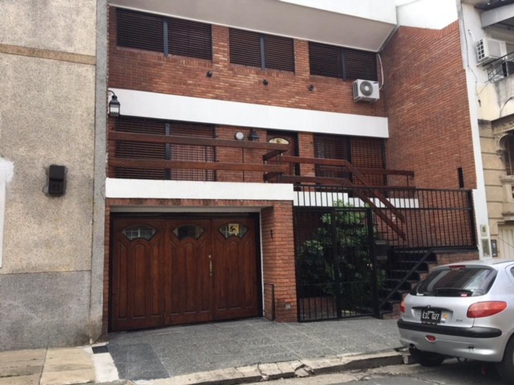 Excelente Casa 7 Amb. 4 Dorm.