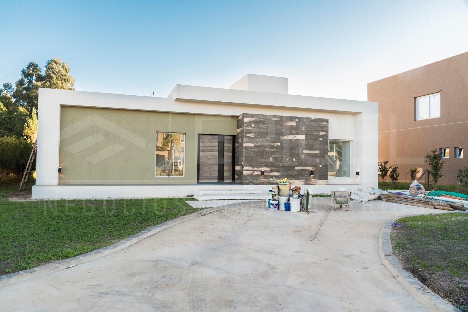 Casa en Venta en Los Naranjos - 4 ambientes