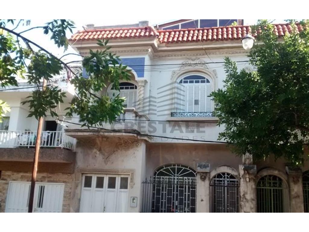 Del Valle Ibarlucea y Wheelwright - Casa 2 dormitorios a la venta