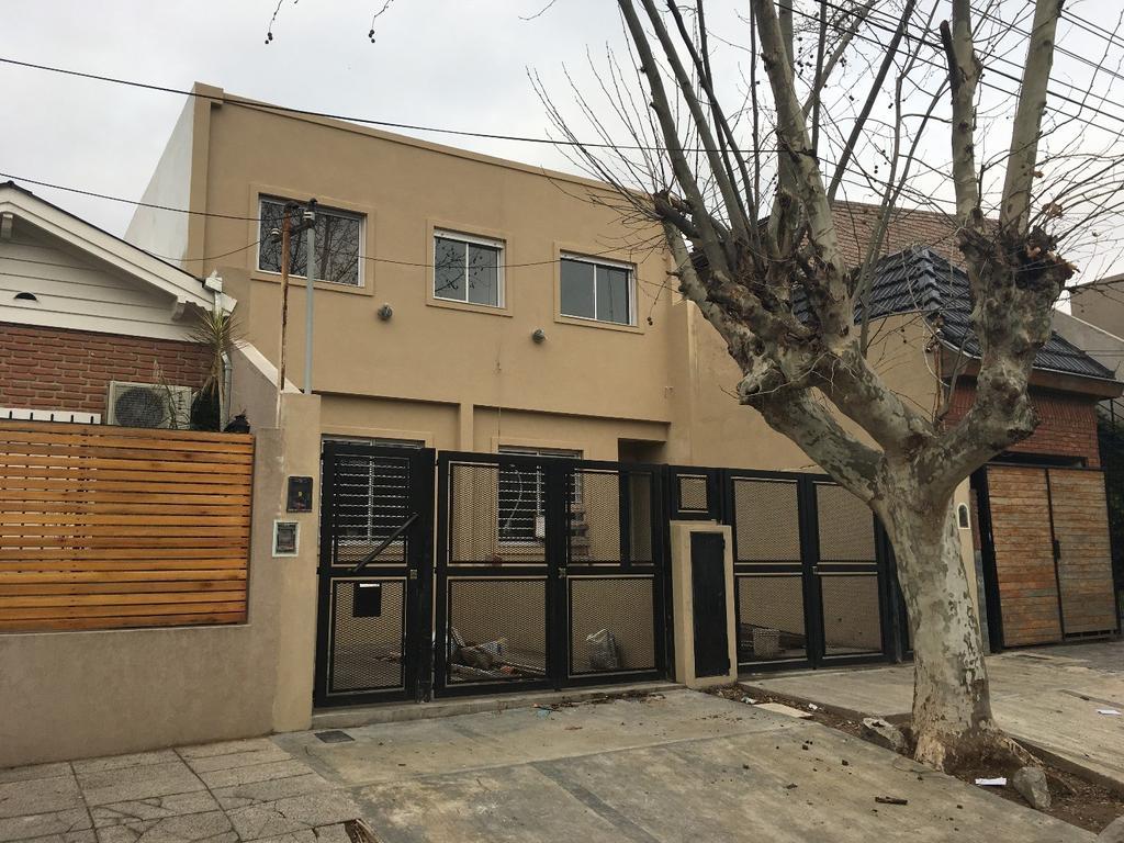 Duplex a Estrenar 4 Ambientes, Cochera, Jardin