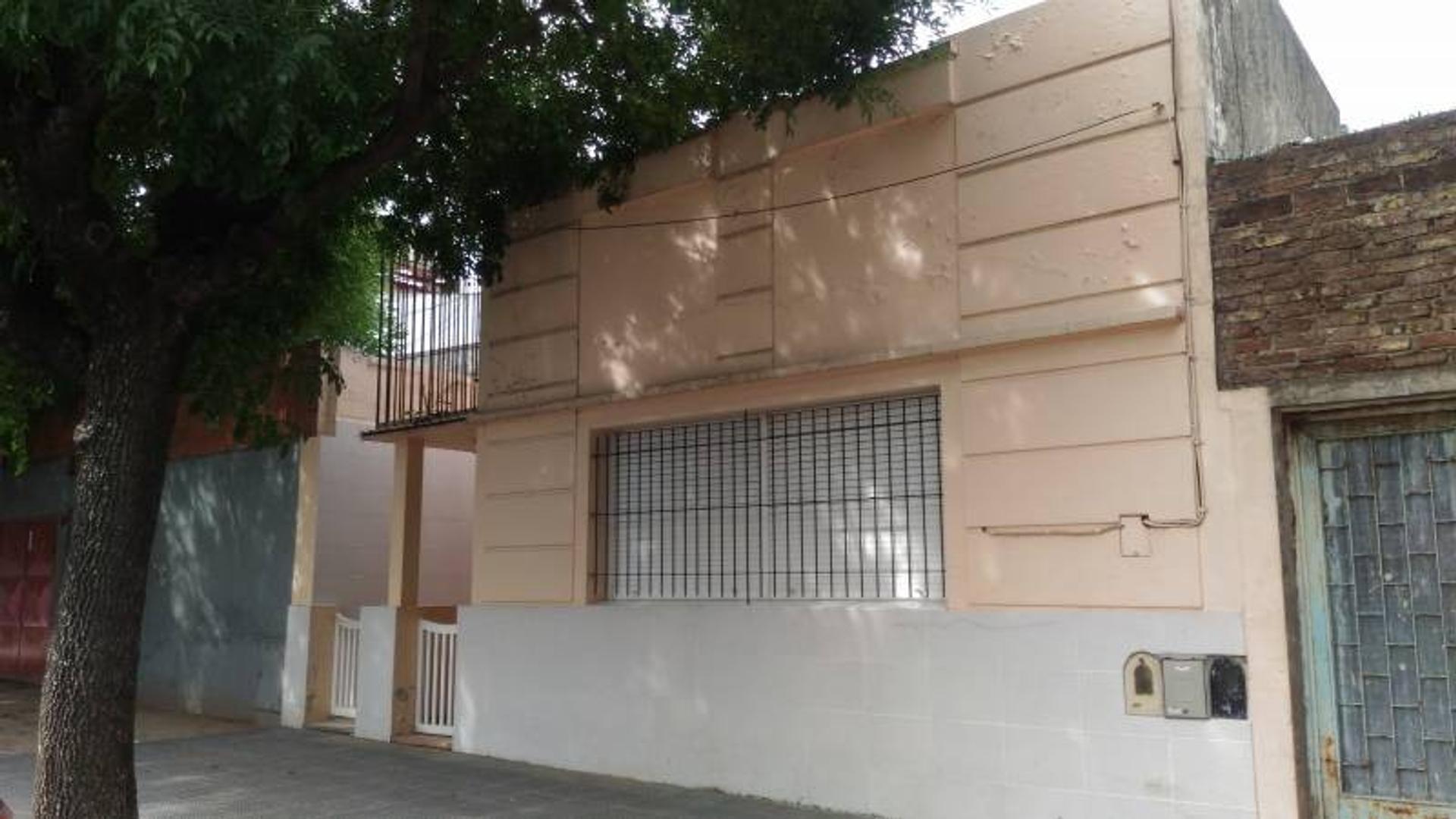 Venta de 3 departamentos de 3 ambientes cada uno en Villa Lugano (Rucci al 3200)