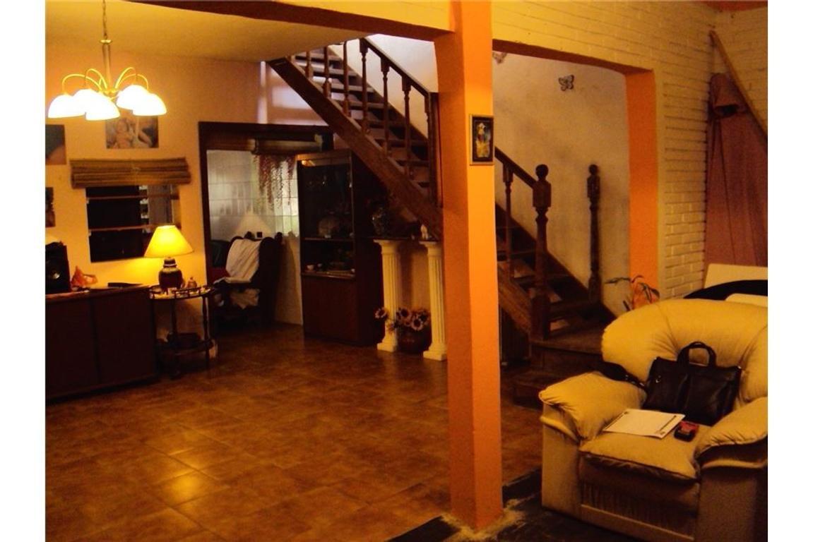 Casa 5 amb + dpto 2 amb, Fondo, piscina, Udaondo