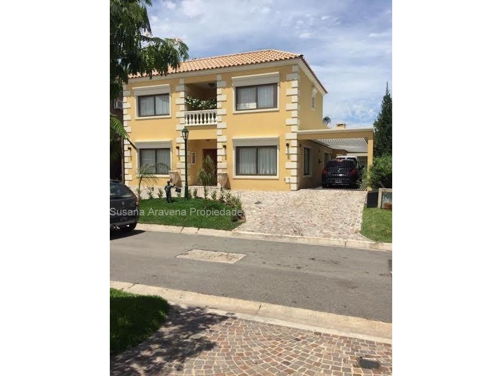 Susana Aravena Propiedades-Excelente casa en venta en Las Orquideas
