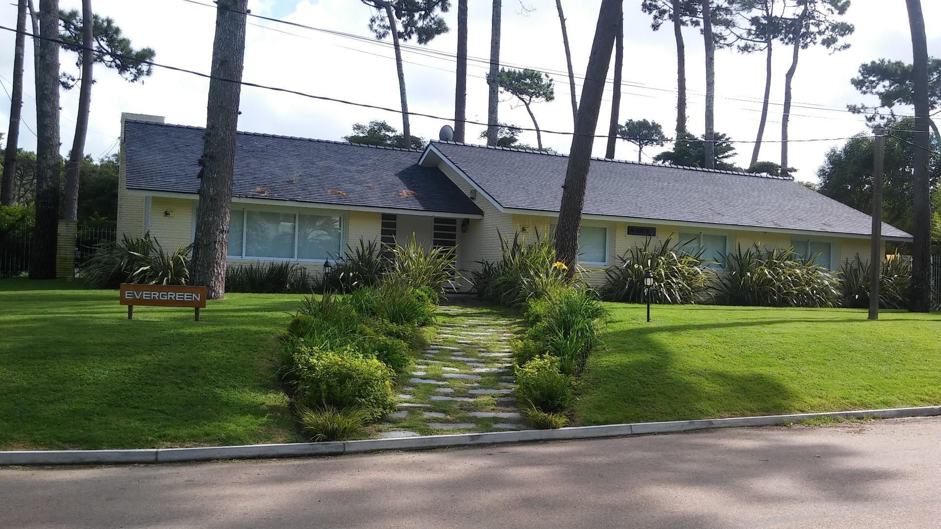 Espectacular casa a 4 cuadras de Playa Mansa