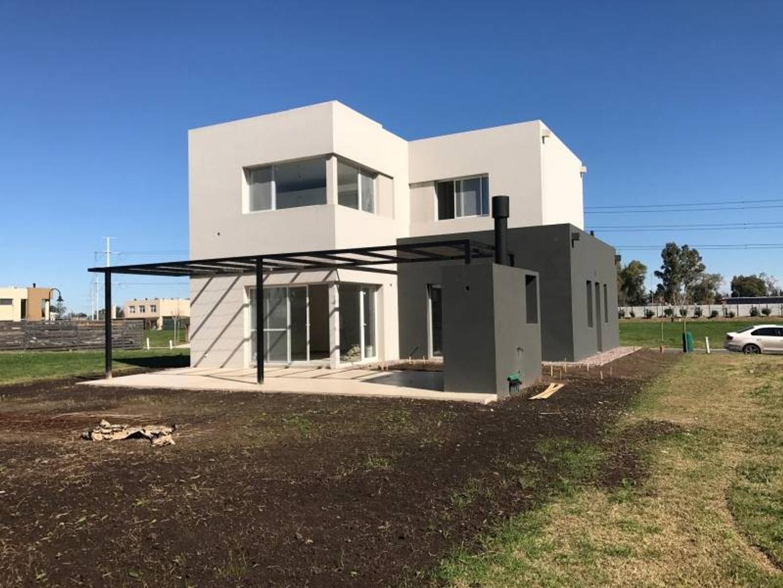 NORDELTA - LAS TIPAS | Casa muy canchera en venta, a estrenar!