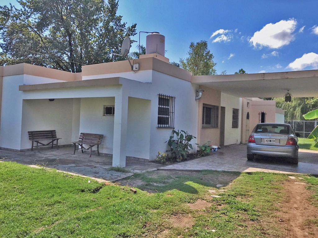 Casa en venta en El Rocio, sobre Santo Domingo. 3 dormitorios.Piscina de natación. Cochera.
