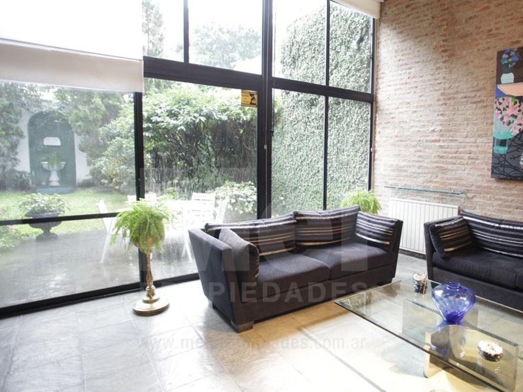 Loft al estilo NY en BA, 5 ambientes con jardín propio y cochera. Apto profesional.