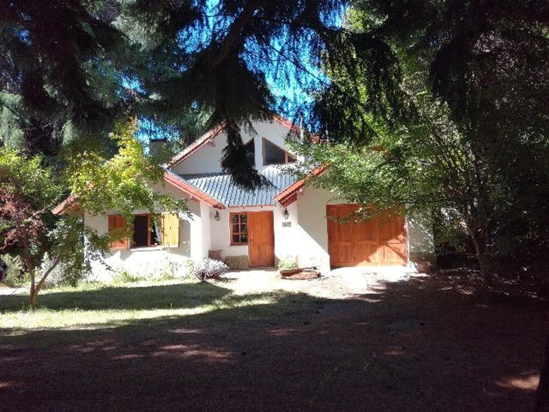 Dueño vende fraccion de 1.8 has con casas y costa de Lago Nahuel Huapi