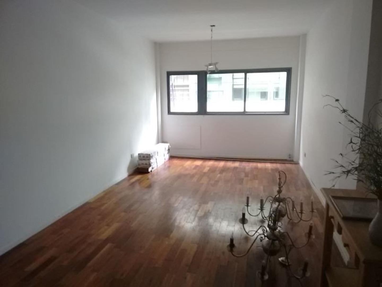 Venta 3 ambientes 71 m2 piso alto APTO CREDITO reciclado al frente muy luminoso 2 baños apto profes