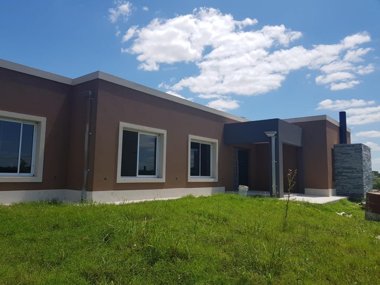 Casa en Venta en Los Juncos - 4 ambientes