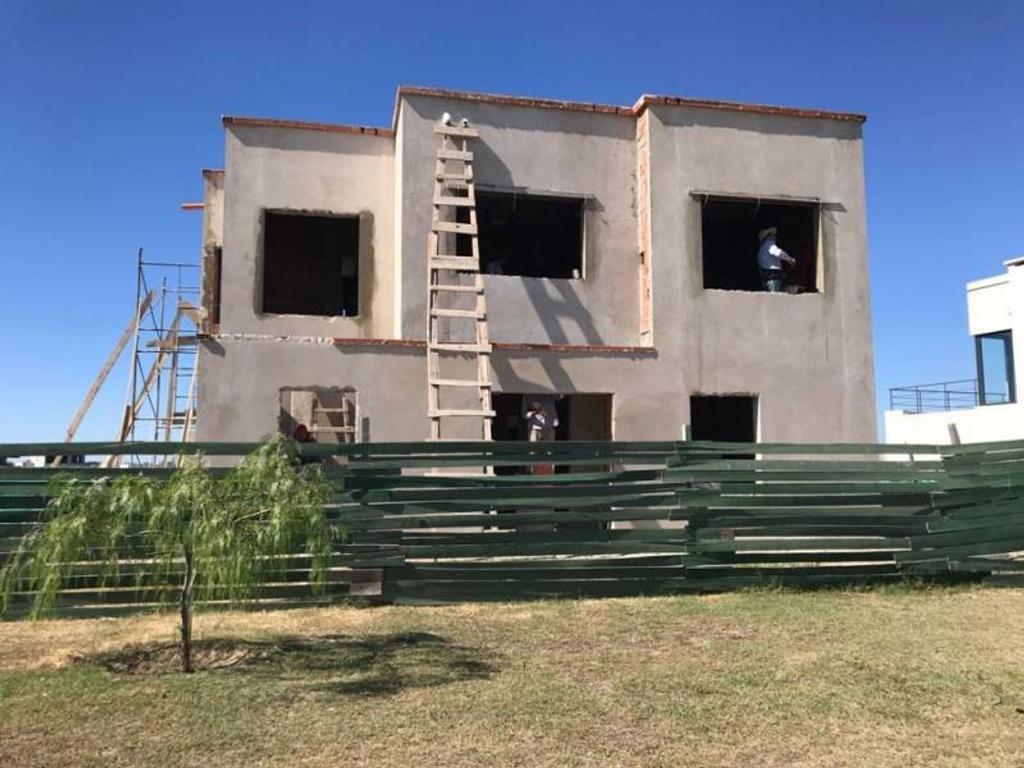 Casa a la laguna en venta en el barrio San Gabriel, Villa Nueva, Tigre
