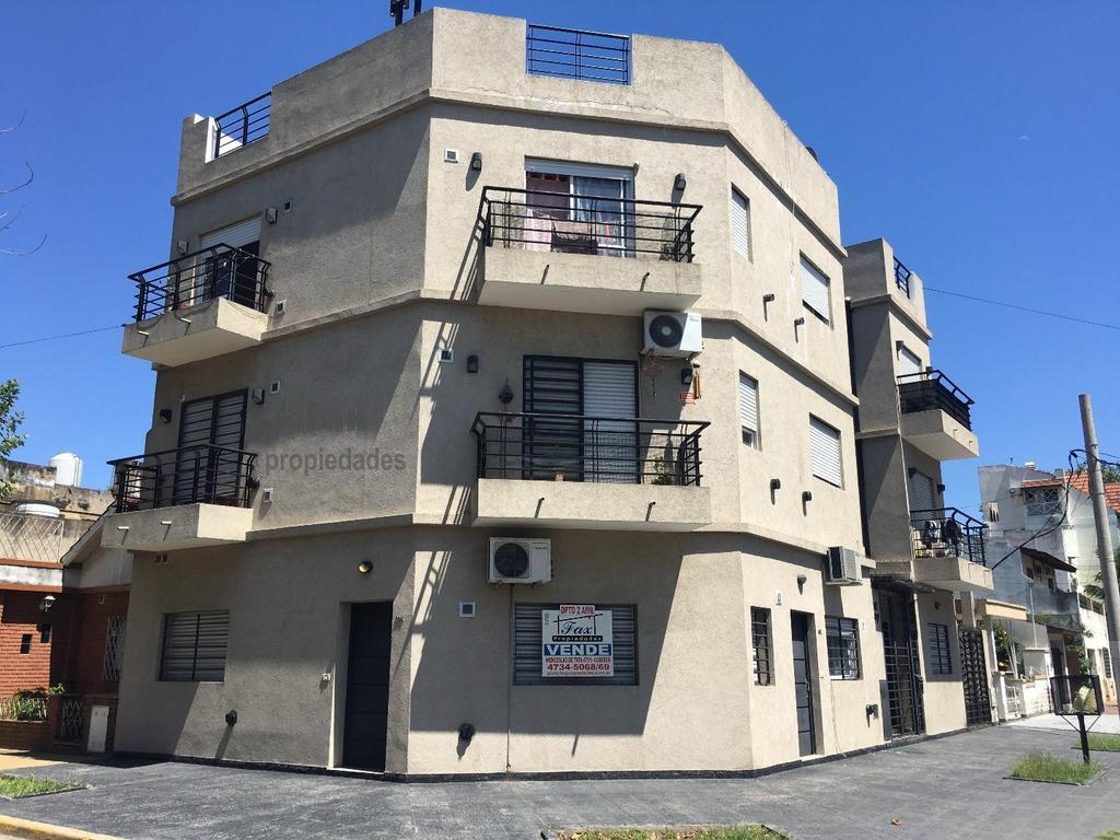 Venta Departamento 2 ambientes al frente 4 cuadras estacion Caseros