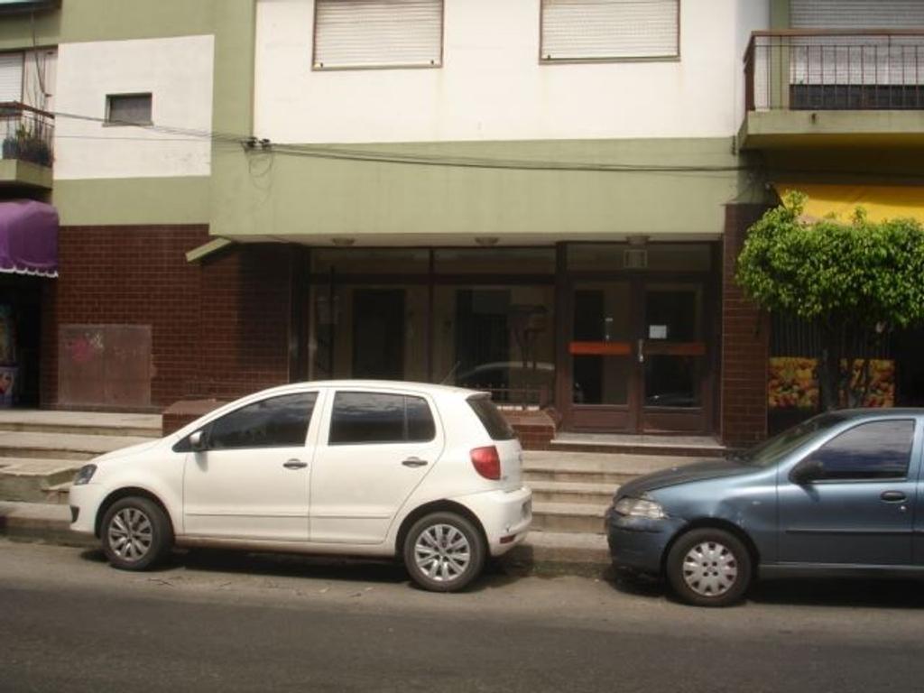 Gran departamento con cochera y terraza propia. dueño directo sin comision inmobiliaria