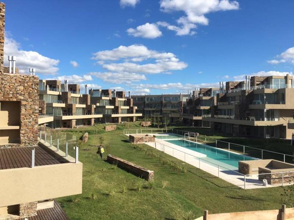 NORDELTA Barrio LOS CASTAÑOS | Departamento en Venta Las Piedras Planta Baja con jardín