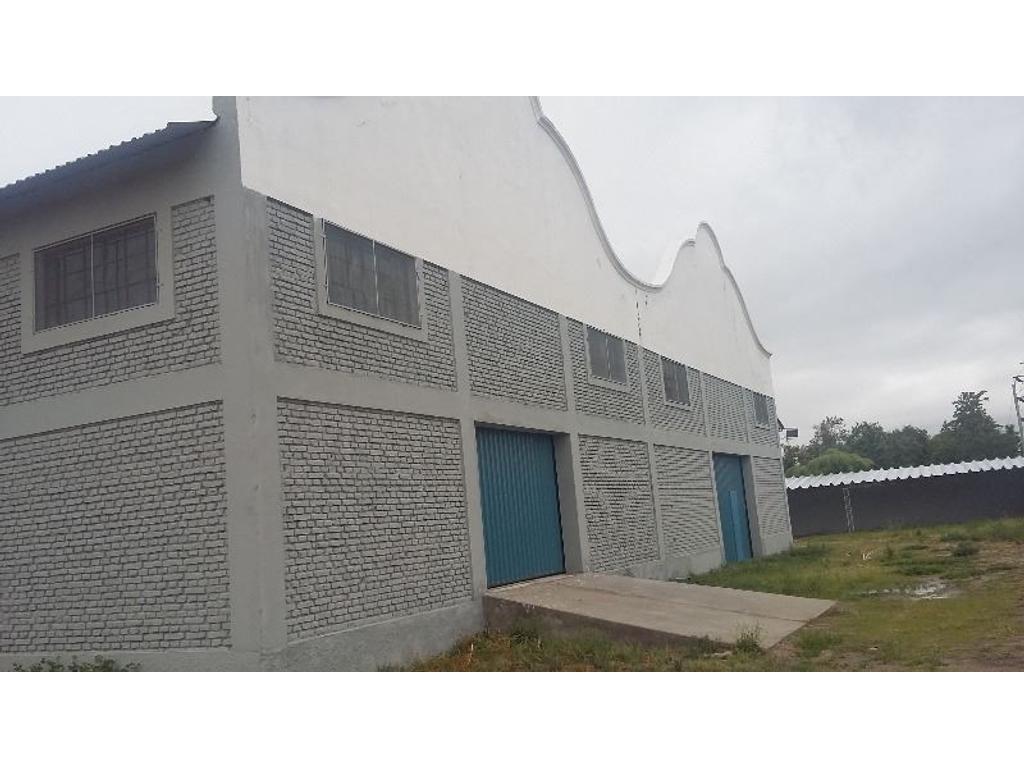 Alquilo galpon 1.360 m2 a metros de Av. Godoy Cruz, en Río Cuarto