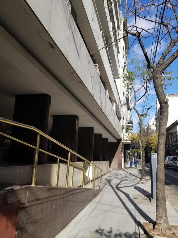 Excelente semipiso frente balcon corrido Piso 9no. 3dorm. c/dep. coc.comed. COCHERA y baulera
