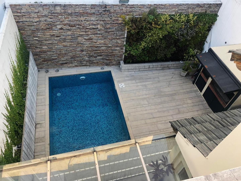 Casa en Venta - 5 ambientes - USD 620.000
