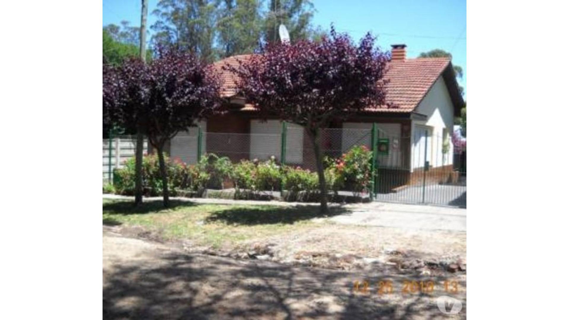 Venta de Chalet Barrio El Jardin Apto Credito 4 Amb C/quincho y Cochera