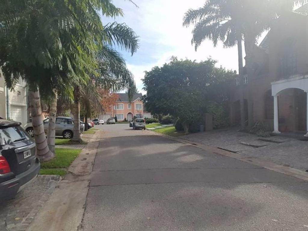 Casa en venta en aviador udet 2400 ciudad jardin del for Alquileres en ciudad jardin el palomar